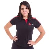 camiseta personalizada bordada Vila Marisa Mazzei